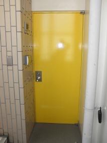 スタジオ入口扉(8階)
